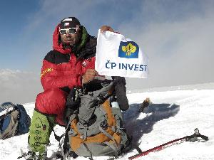 Jaroš a IF vlajka na K2